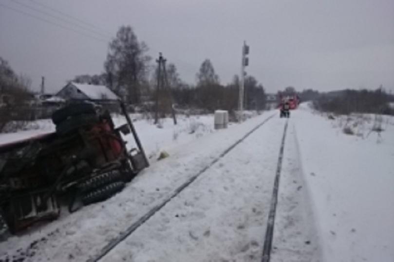 Поезд столкнулся сбензовозом нажелезнодорожном переезде вКалуге